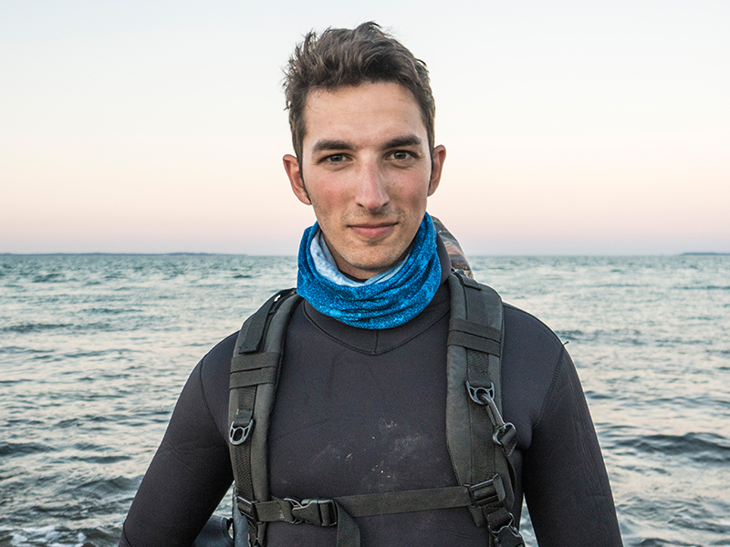 Lukas Mueller Waterman Haie Forscher Taucher Speaker Freediver Freitaucher Weißer Hai Expedition Freediving Haiforscher Haitauchen Naturschützer Shark Scientist Shark Diver .jpg